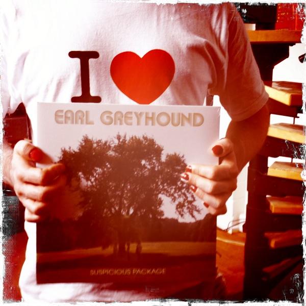 EARL GREYHOUND: Kochendes Album und dampfende Tourdaten