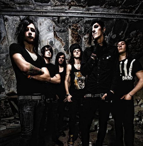 Gratis MOTIONLESS IN WHITE-Song online