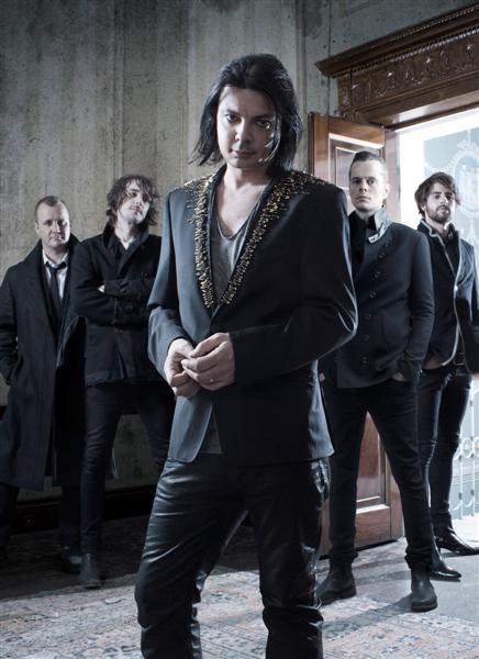 LOVE AMONGST RUIN: Ex-Placebo-Drummer mit neuer Band auf Tour