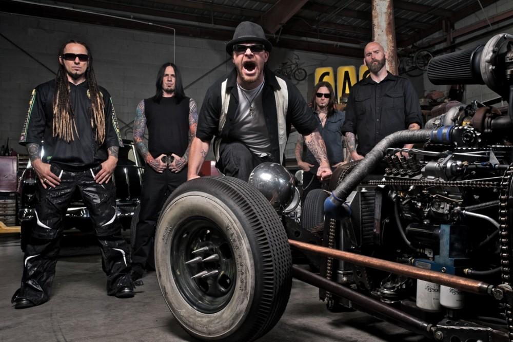 FIVE FINGER DEATH PUNCH-Interview Juni 2013
